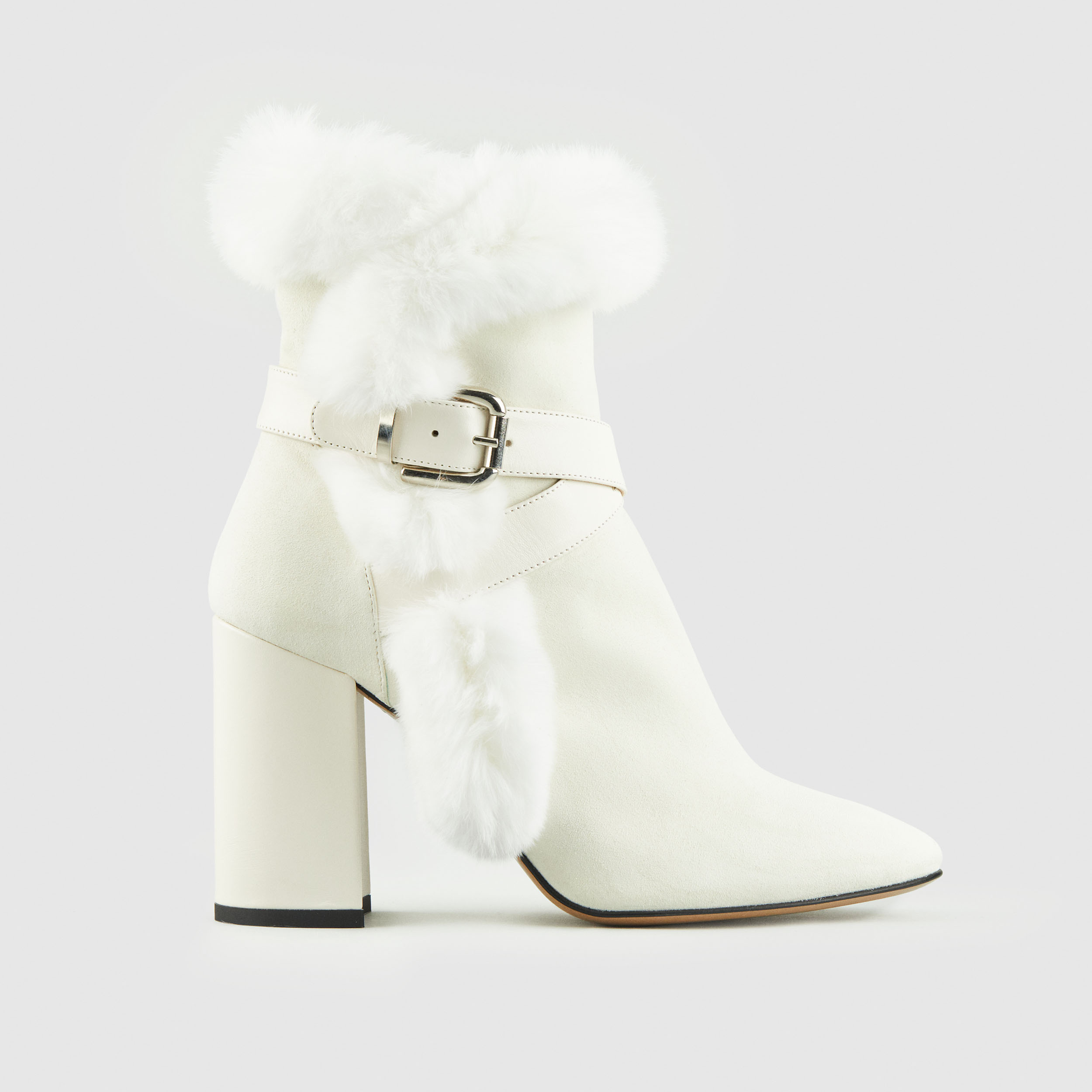 Duzie Inspired Cream Suede Boot With Matching Fur Trim